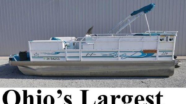 Jc Tritoon 226 Io Power Boats For Sale Pontoon World