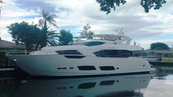 Sunseeker 95 Yacht