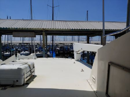 Hatteras 53 Extended Deckhouse image