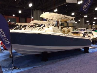 2018 Edgewater<span>245CC Center Console</span>
