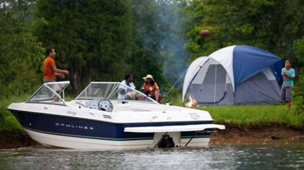 Bayliner 195 Bowrider Manufacturer Provided Image