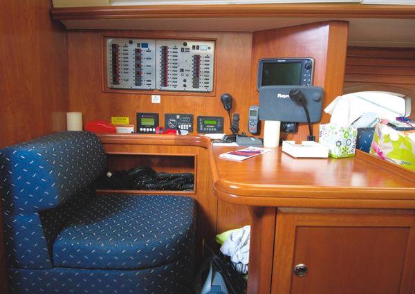 Marlow Hunter 50 Center Cockpit image
