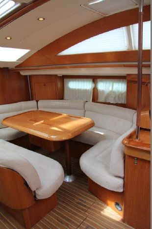 2003 Jeanneau 54DS Buy Brokerage