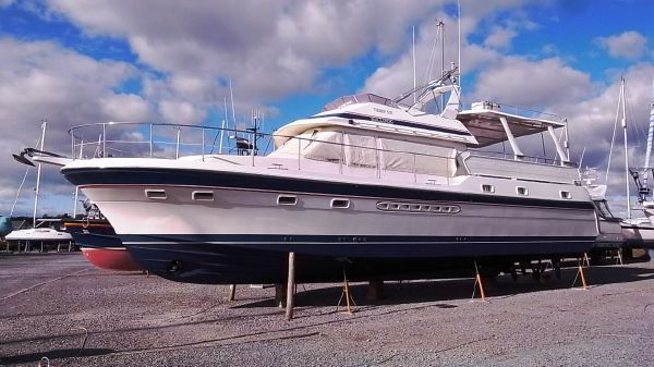 Trader 535 Signature Exterior portside (March 2013)