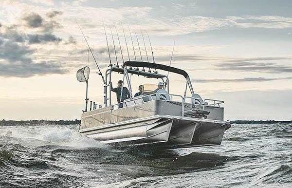2020 Angler Qwest 824 Catfish Pro