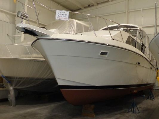 Chris-Craft 381 Catalina - main image