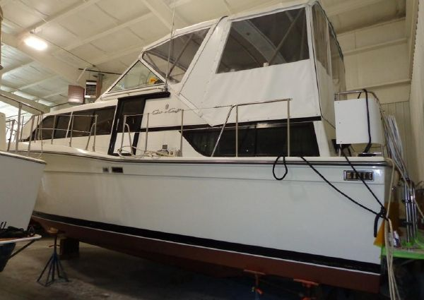 Chris-Craft 381 Catalina image