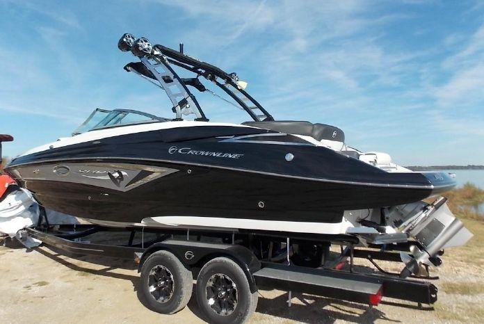 2019 Crownline E 275 Surf Bernice, Oklahoma - Southwinds Marina
