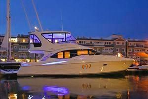 Silverton 52 Ovation Starboard Side