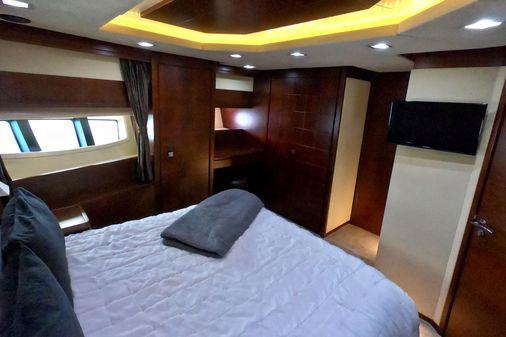 Azimut 85 Flybridge image