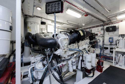 Hatteras 80 Motor Yacht image