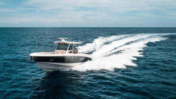 Boston Whaler 370 OR