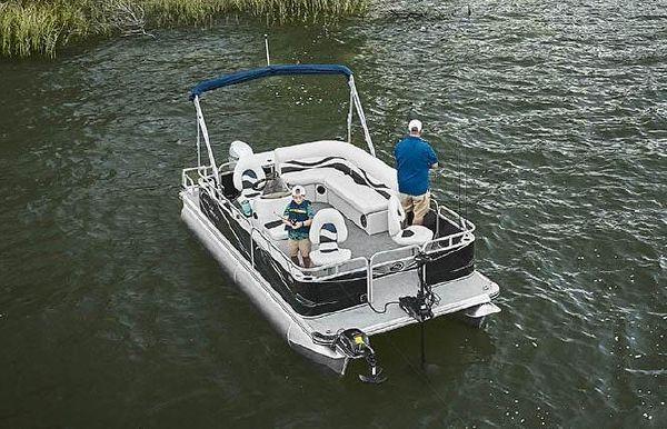 2020 Angler Qwest 820 Panfish