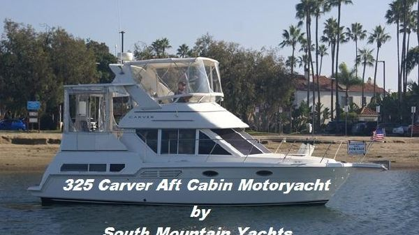 Carver 325 Aft Cabin