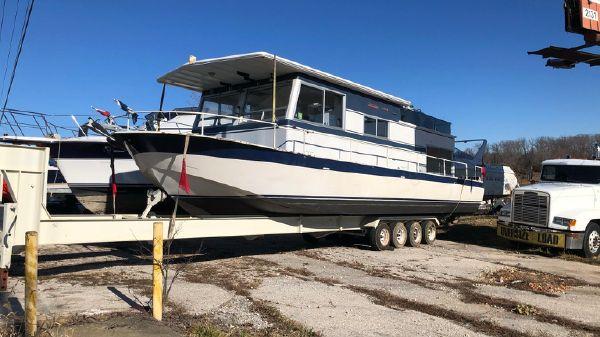 River Queen 40 Houseboat