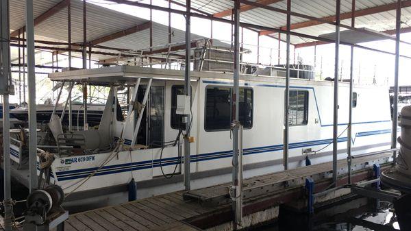 Catamaran Cruisers Vagabond