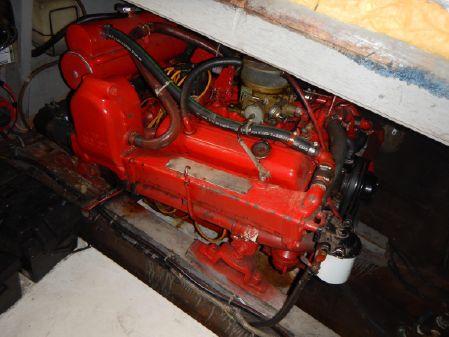 Chris-Craft 333 Sedan w FWC INBOARDS image