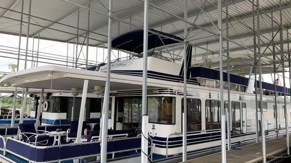 Sharpe Full Body Houseboat