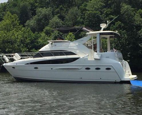Meridian 408 Motoryacht - main image
