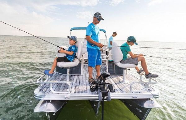 2020 Angler Qwest 820 All Sport