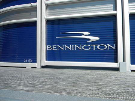 Bennington 21SLX image