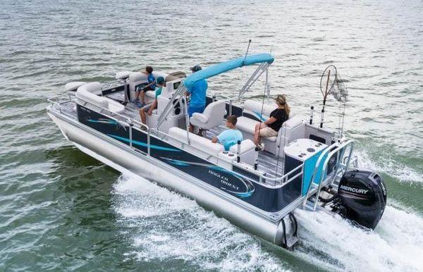 2020 Angler Qwest 824 ALL SPORT DLX