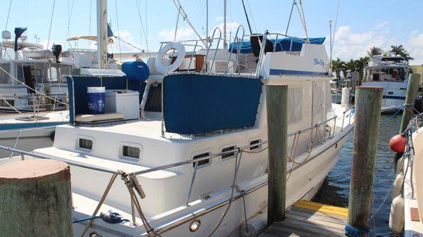 Present Yachts 38 trawler