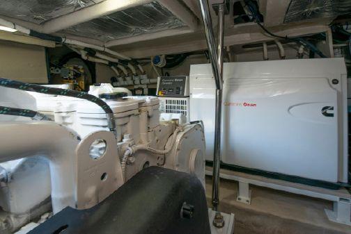Sea Ray 510 Fly image