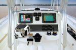 Robalo R300 Center Consoleimage