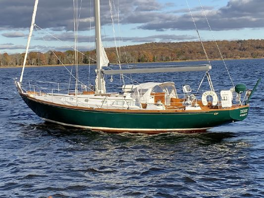 Hinckley Bermuda 40 MKIII - main image