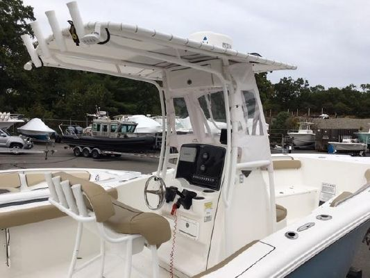 Tidewater 22 center console - main image