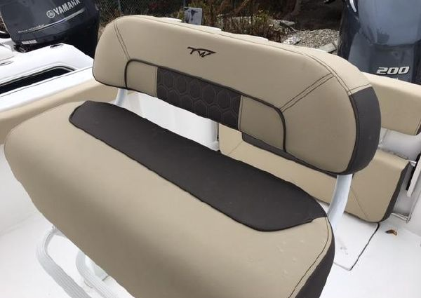 Tidewater 22 center console image