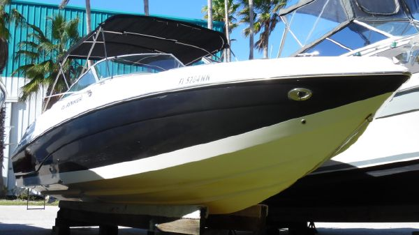 Rinker 282 Captiva Bowrider Wash Rack Starboard Side
