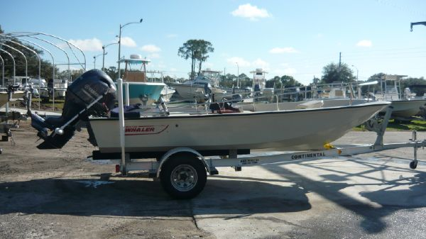 Boston Whaler 17 Sport GLS