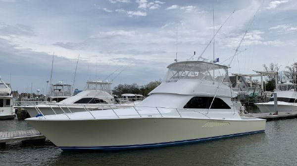 Viking 52 Convertible Paint & Seakeeper