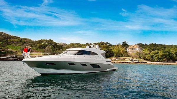 Riviera 6000 Sport Yacht 2017 Riviera 6000 Sport Yacht