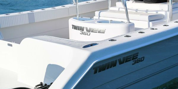 Twin Vee 360 GF image
