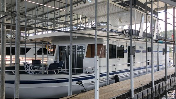 Monticello River Yacht