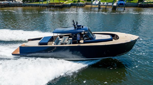 Alen Motor Yacht