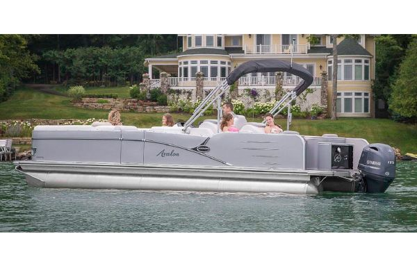 2018 Avalon Catalina Rear Lounger - 23'