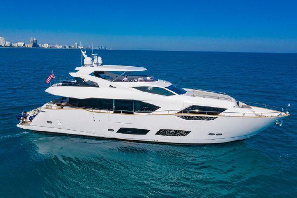 Sunseeker 95 Yacht - main image