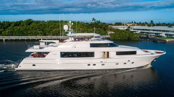 Westport Raised Pilothouse Motoryacht