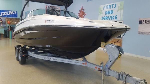Sea Ray 240 Sundeck