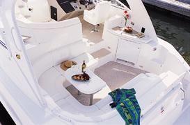 Cruisers Yachts 440 Express image