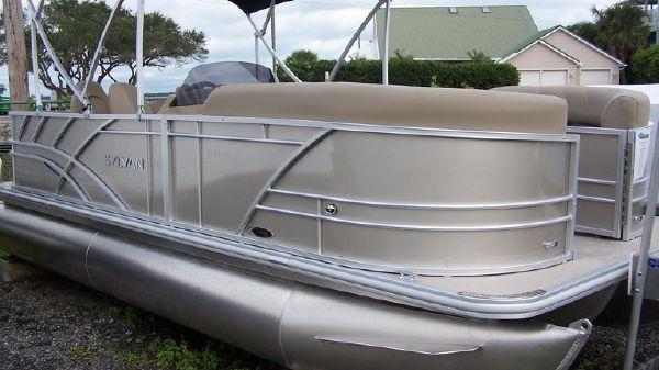 Sylvan Mirage 820 Cruise &Fish
