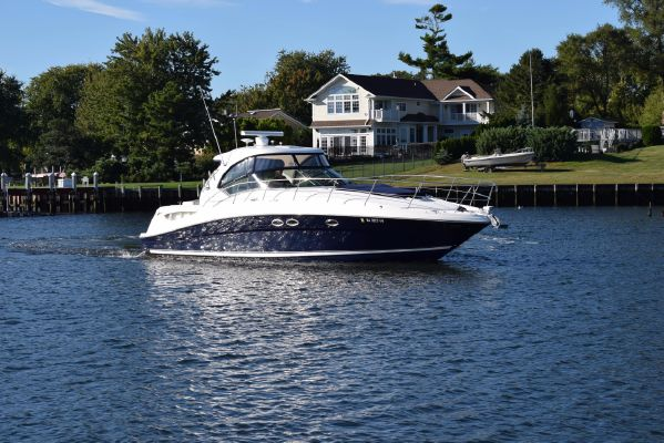 Sea Ray 390 Sundancer - main image