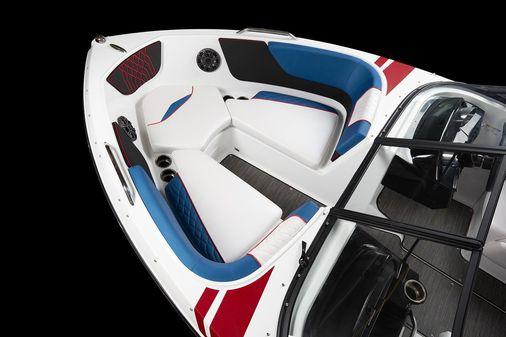 Glastron GX 215 Sport image
