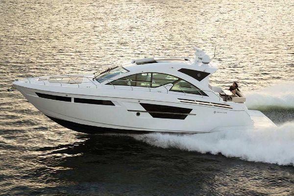 Cruisers Yachts 54 Cantius - main image