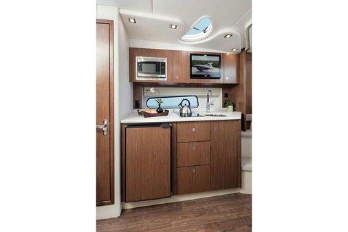 Cruisers Yachts 35 Express image