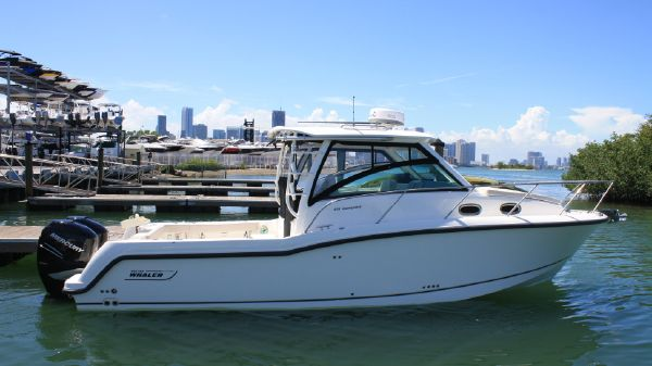 Boston Whaler 315 Conquest Boston Whaler 315 Conquest 2016